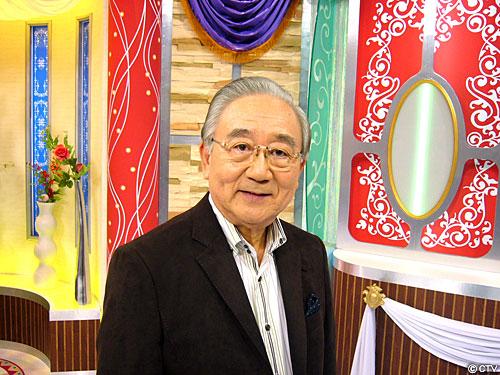 photo そして番組のご意見番といえば 名古屋外国語大学教授・内田忠男先生。  アナウンスルー