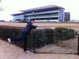 正解はリニューアルオープンした中京競馬場でした